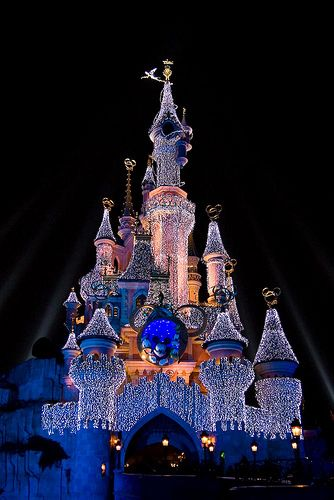 Disneyland Paris At Christmas 2019.Sleeping Beauty Castle At Night With Christmas Lights