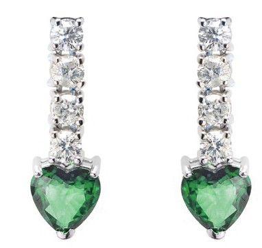 d5c1017c90a2 Pendientes NICOL´S. Pendientes largos con esmeraldas en forma corazón