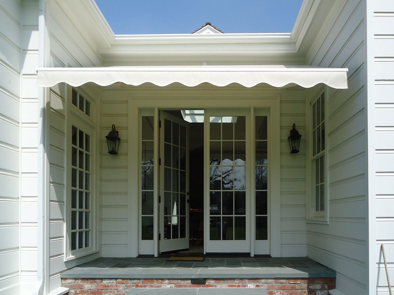 Retractable Awnings By Superior Awning Let The Sun Shine Retractable Awning Custom Awnings Front Door Design