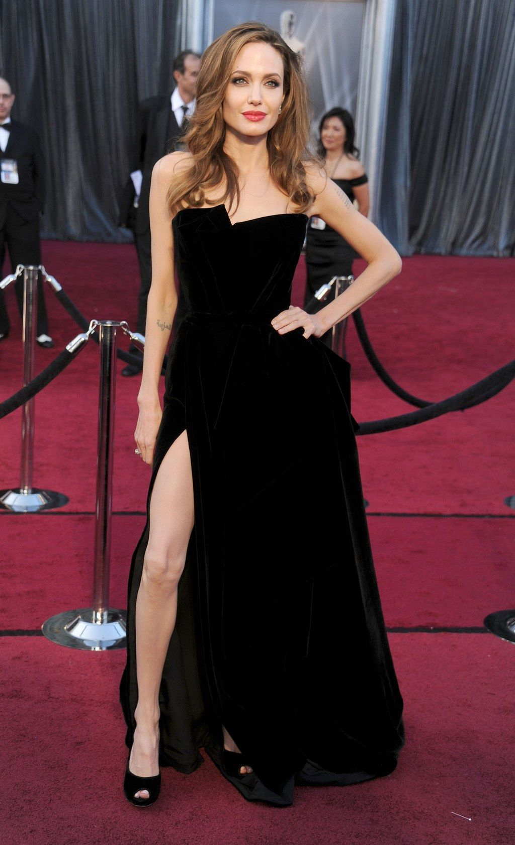 The 47 Best Oscars Dresses Of All Time Red Carpet Dresses Best Best Oscar Dresses Black Dress Red Carpet [ 1681 x 1024 Pixel ]