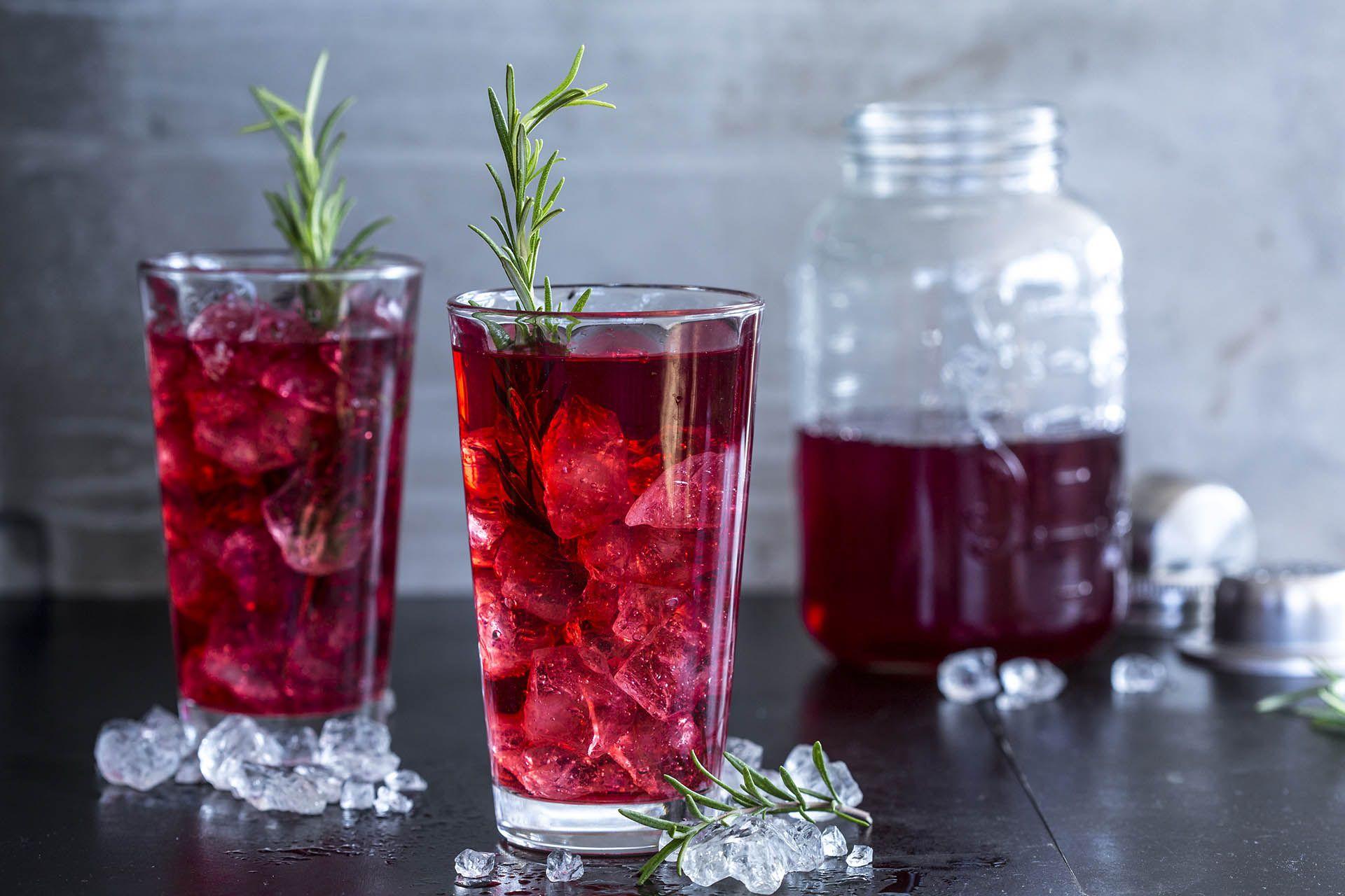 Cranberry Wodka Mit Rosmarin Rezept Longdrinks Wodka Cranberry Cocktail