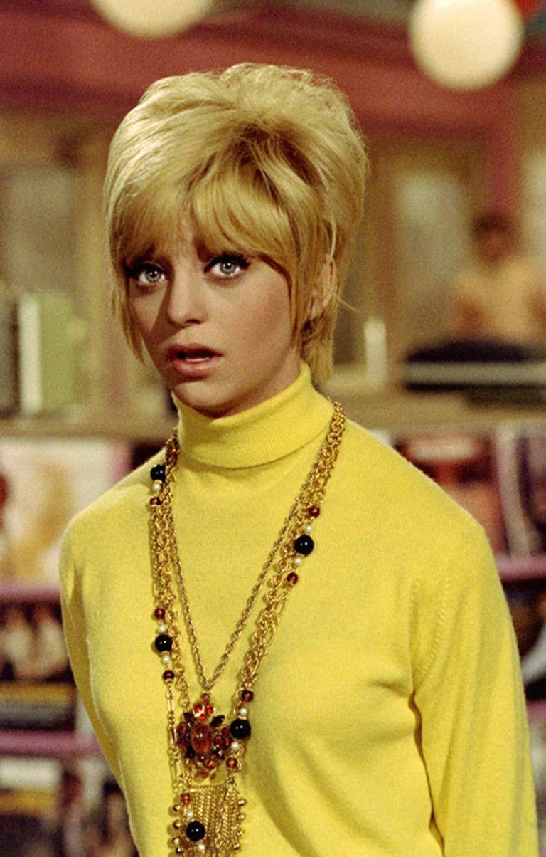 Amateur Allure Goldie goldie hawn in cactus flower (1969) | goldie hawn, fashion