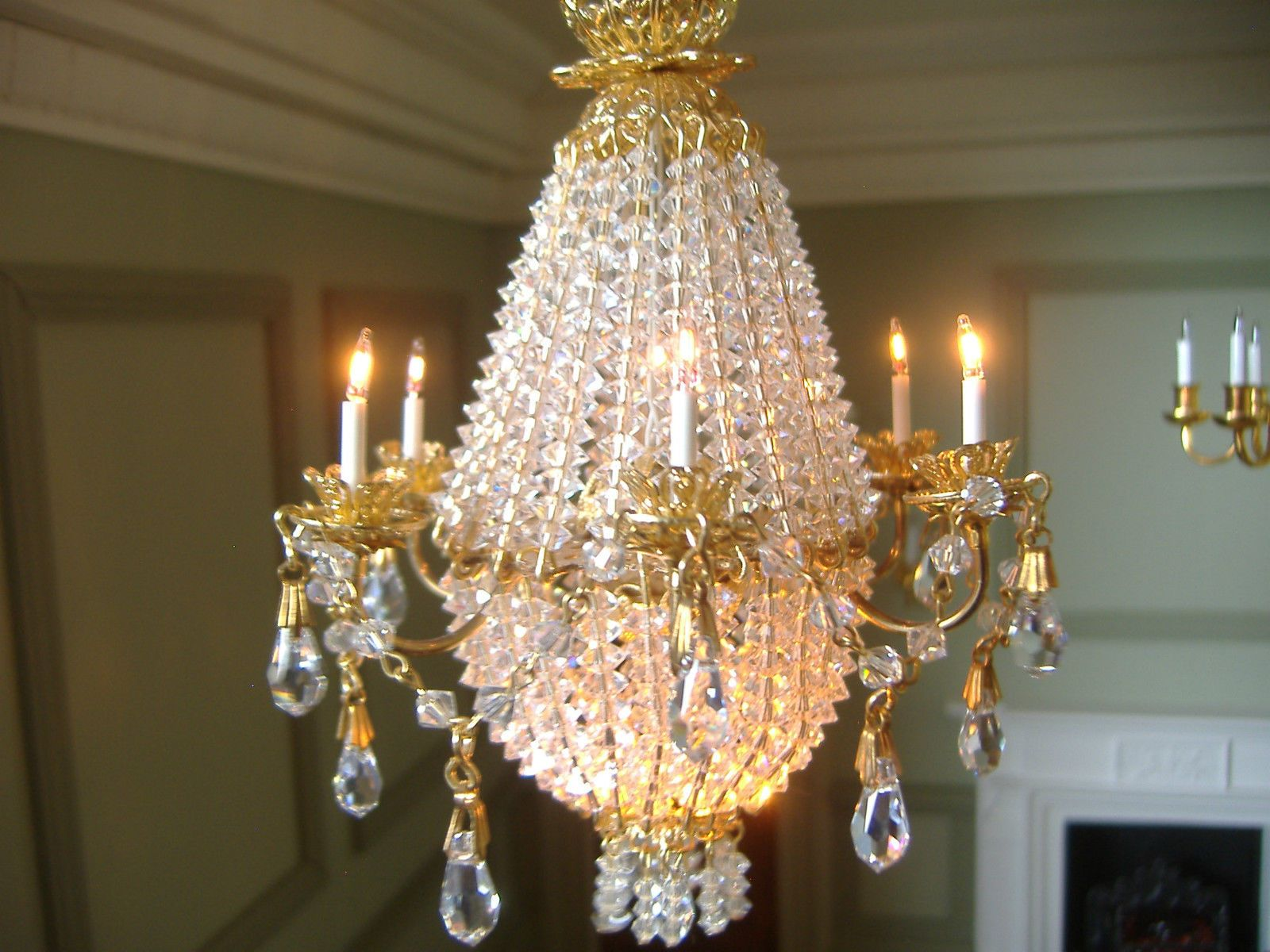 Rosemarie tombers rosels chandeliers 6 arm grand chandelier rosemarie tombers rosels chandeliers 6 arm grand chandelier arubaitofo Choice Image