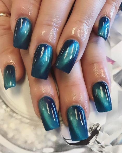 blue cat eye nails