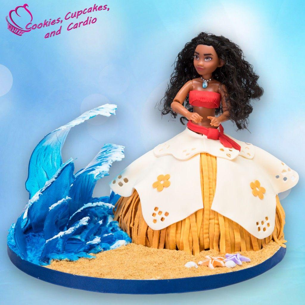 moana doll cake with isomalt sugar waves idees anniversaire pinterest decoration gateau. Black Bedroom Furniture Sets. Home Design Ideas