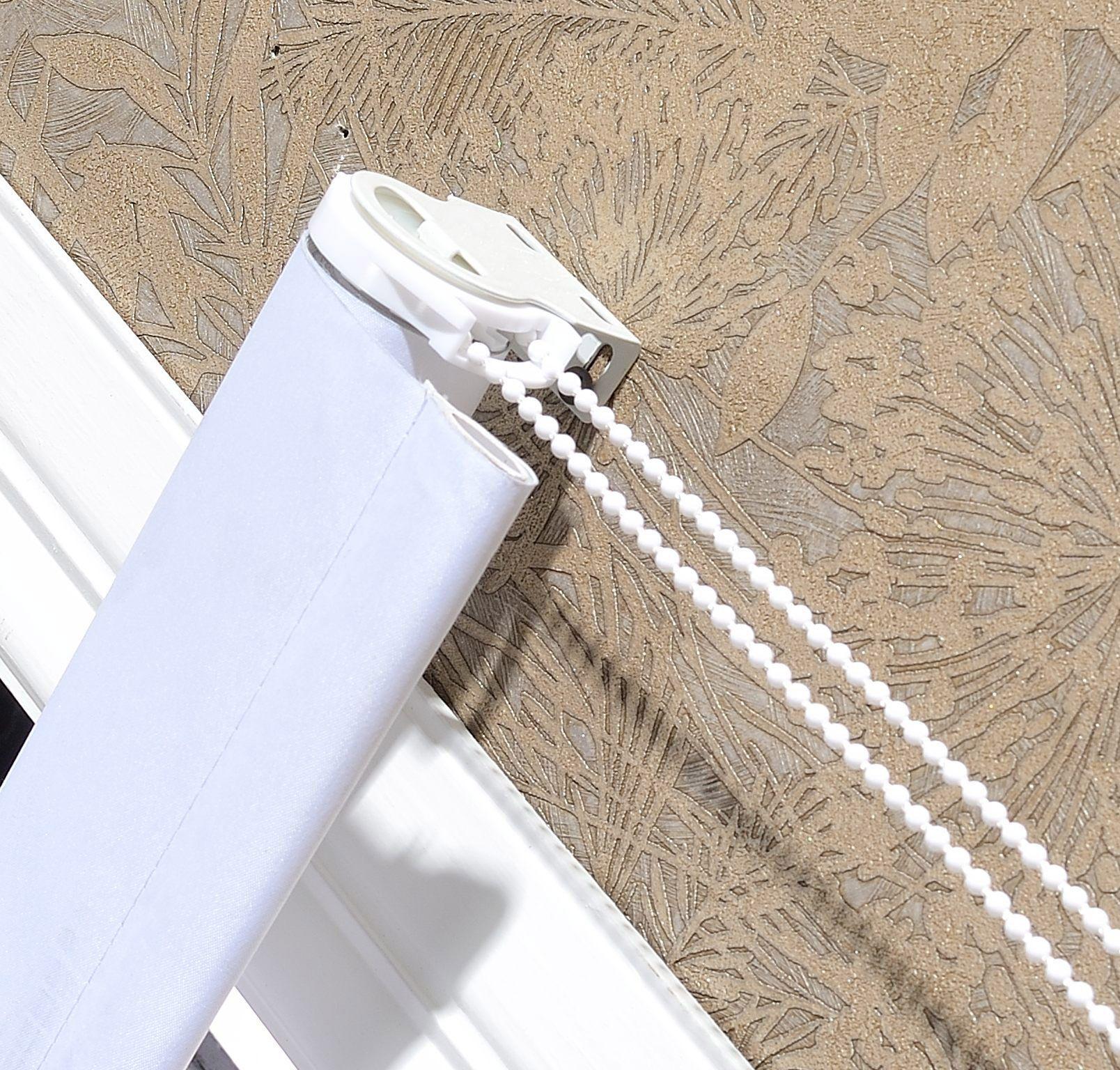 Evolux – Coleção Nouvel – Persiana Rolô Blackout Branca www.linhaevolux.com.br Persiana enrolável de fácil instalação, fabricada em poliéster com verso resinado em PVC, bloqueia a luminosidade exterior e oferece conforto visual e térmico. Indicada para todos os ambientes internos.