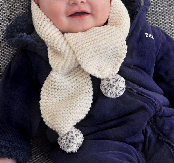 tricoter une echarpe pompon