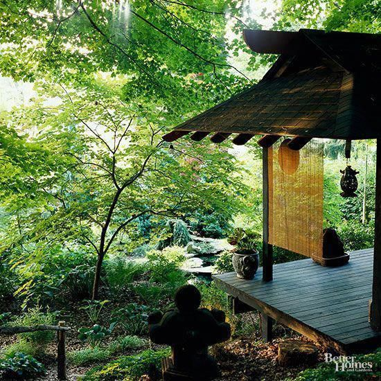 Create an intimate space in your Japanese garden with a