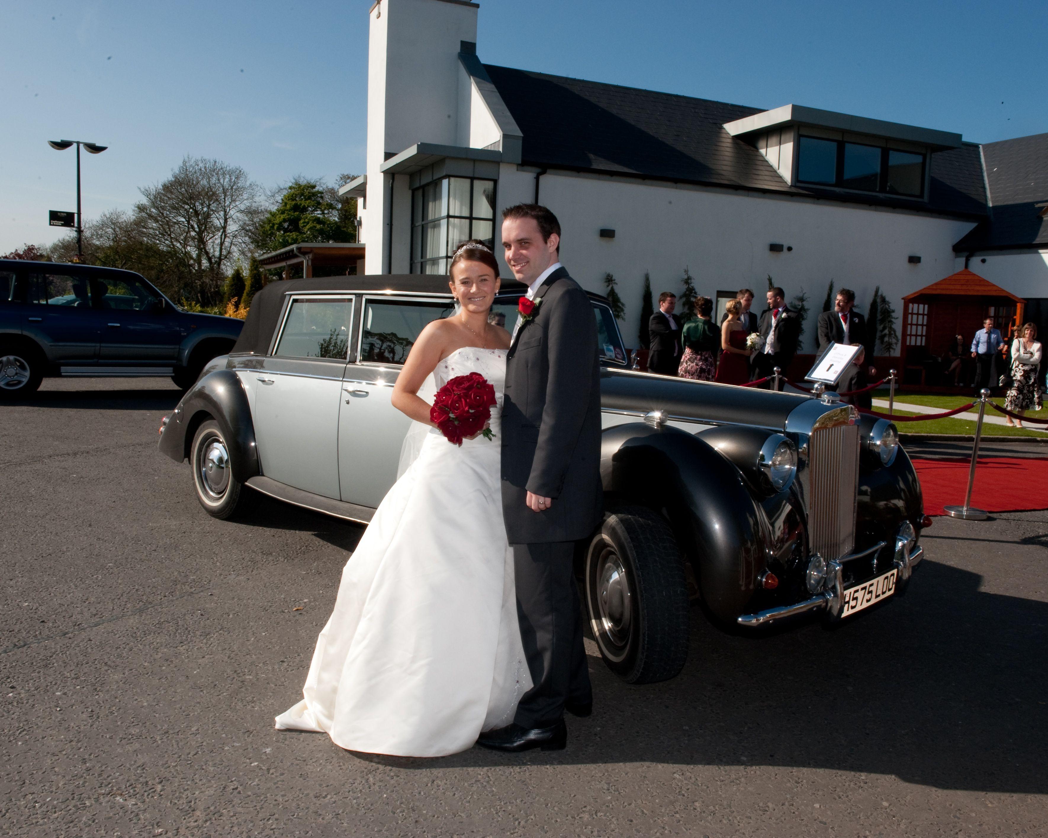 David Andrews Wedding Cars Belfast Silver Grey Windsor At La Mon Hotel Www Davidandrewsweddingcars Com Wedding Car Belfast Wedding