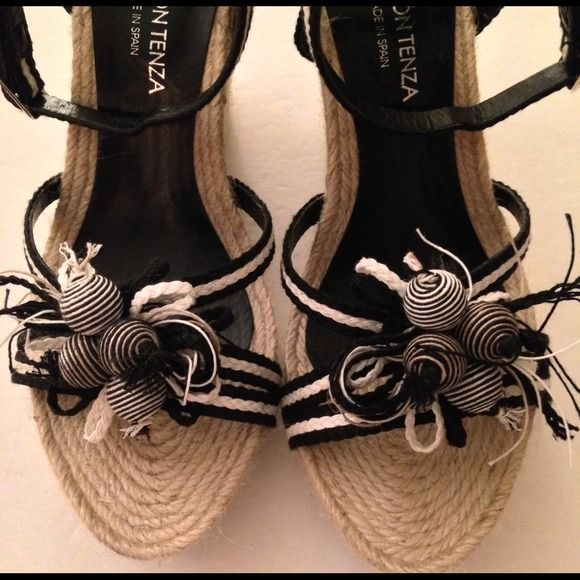 Reduced Ramon Tenza Black/white/beige wedges Gorgeous black white and beige wedge sandals with Jute  platform and heel with black burlap accent.  Very gently worn. Size 8 but fits like a 7. Ramon Tenza Shoes