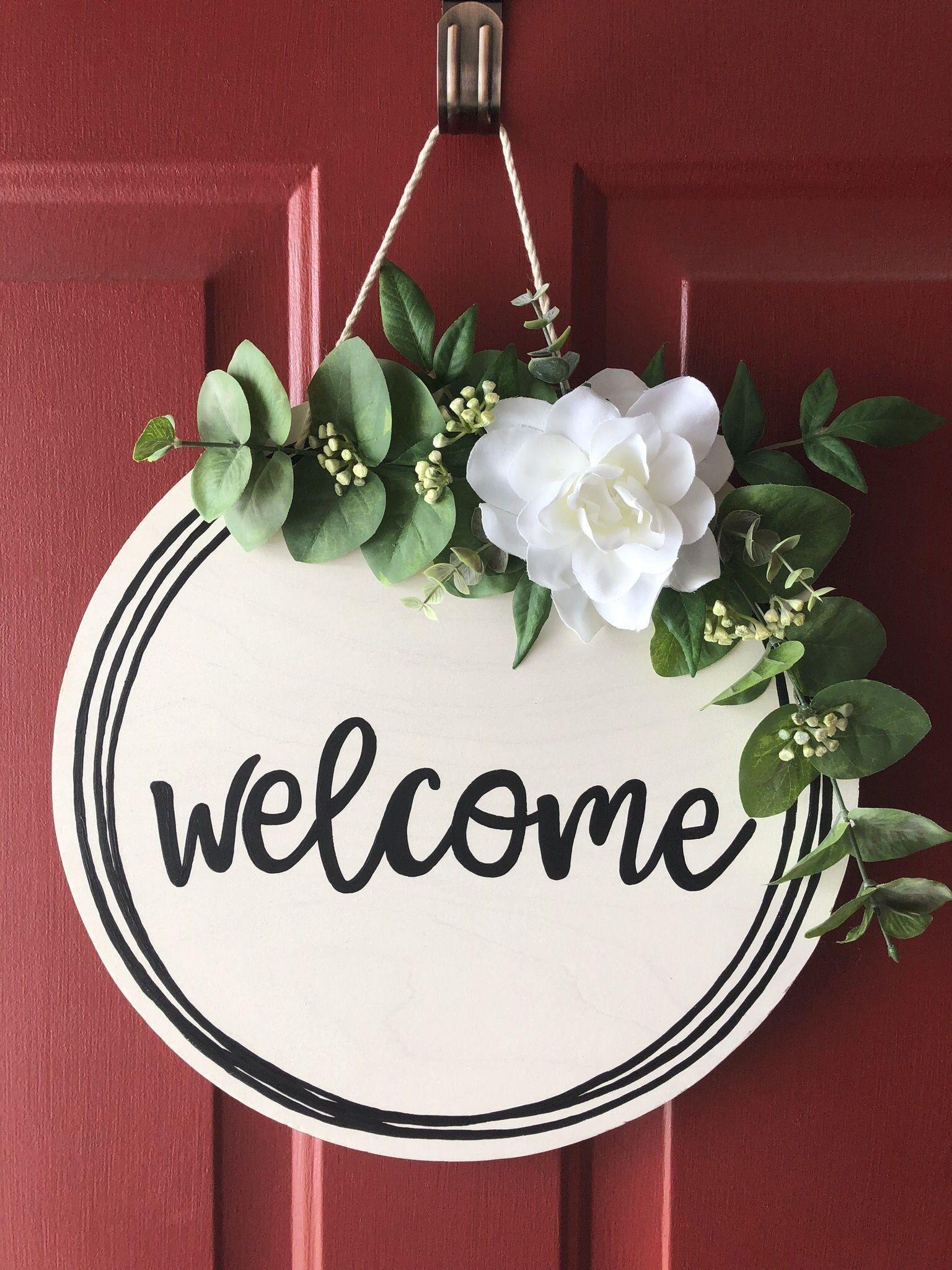 Welcome Wood Door Hanger Round Front Door Sign Farmhouse Etsy 1000 In 2020 Door Signs Diy Wooden Door Signs Welcome Signs Front Door