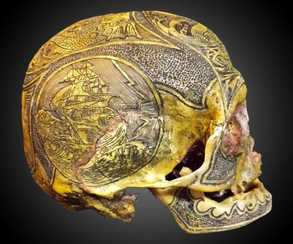 Elaborate Human Skull Art : Real human skulls
