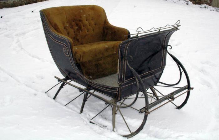 horsed rwn sleigh