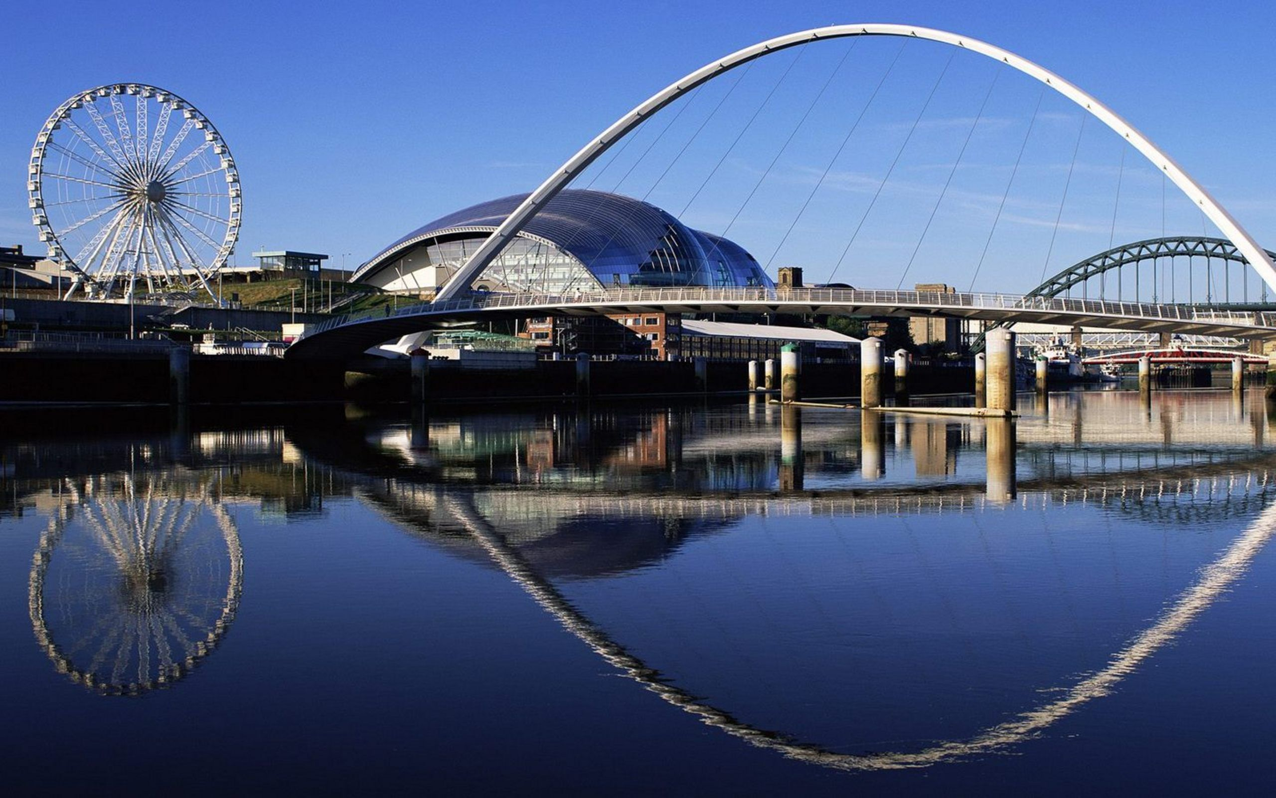 Pin By Christina Khandan On England Millennium Bridge Gateshead Millennium Bridge England Travel