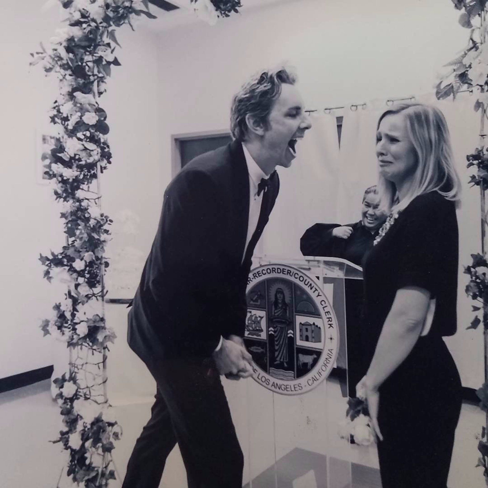 Kristen Bell Shares An Intimate Incredibly Funny Look At Her Wedding To Dax Shepard Kristen Bell And Dax Kristen Bell Kristen Bell Wedding