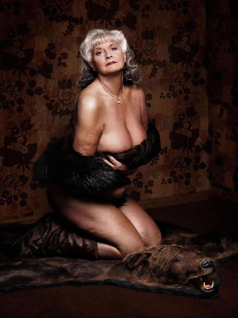 фотографии красивые старые сексуальные обнаженные женщины
