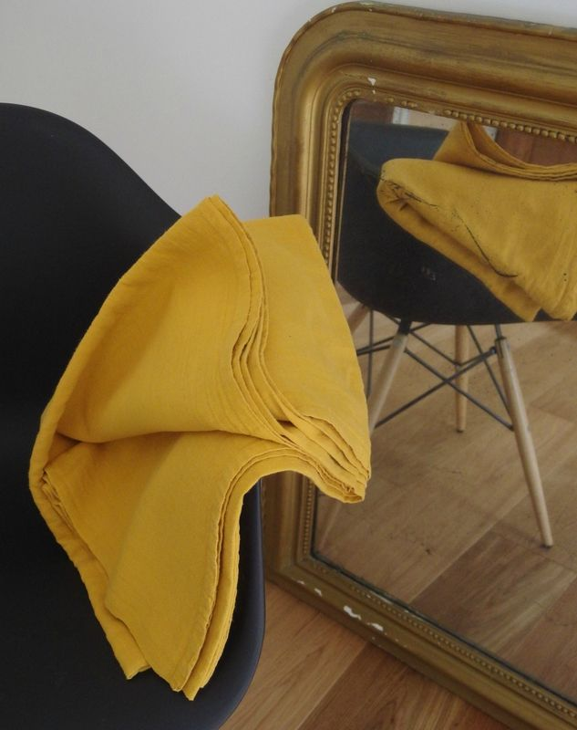 drap ancien en chanvre teint en jaune curry | technique teinture