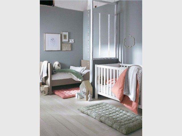 une chambre deux enfants 18 id es pour partager l 39 espace petits espaces pinterest. Black Bedroom Furniture Sets. Home Design Ideas