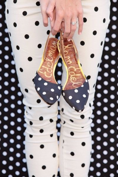 polkadot, shoes, pants, background
