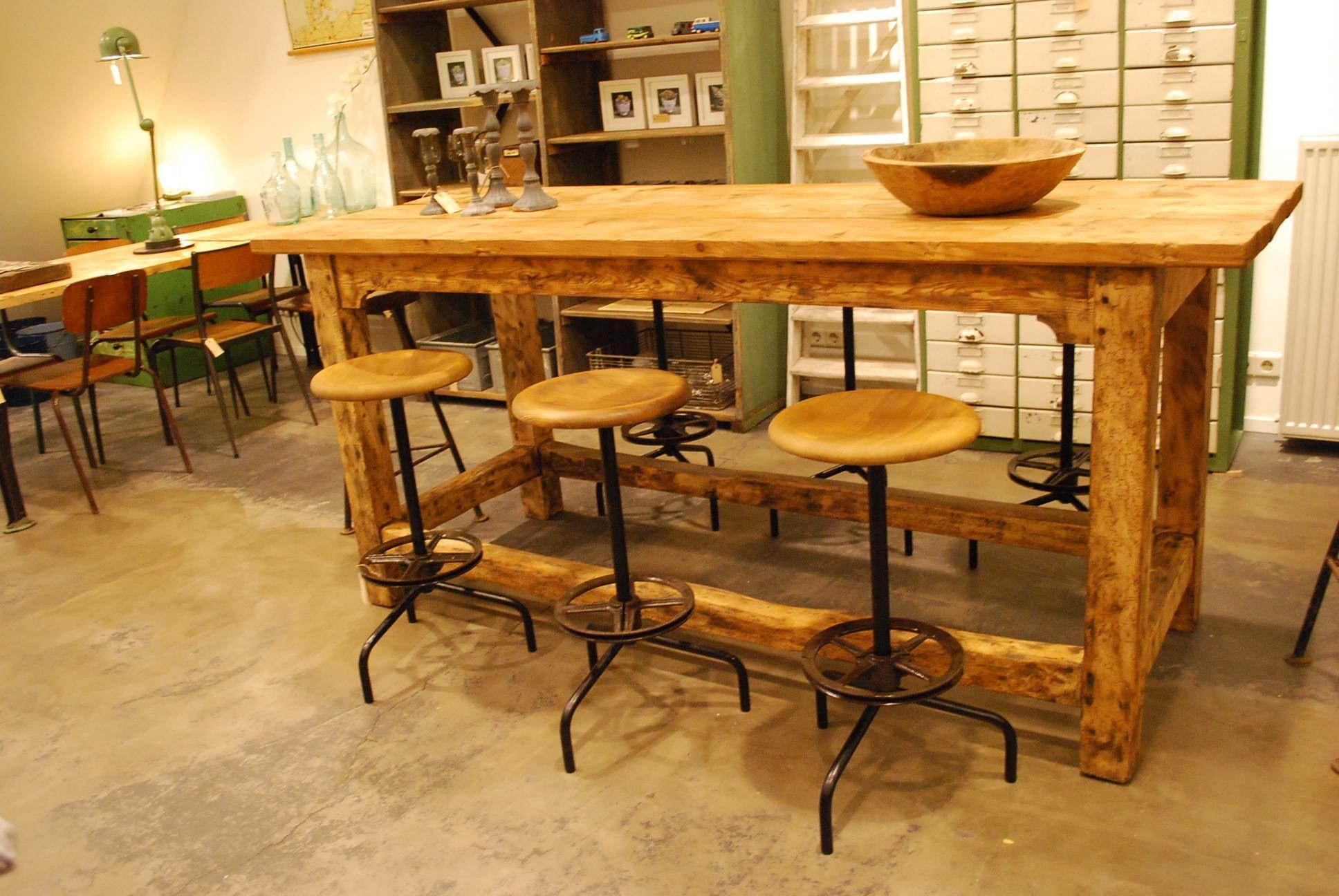 Stoere hoge tafel te gebruiken als werktafel bartafe stamtafel