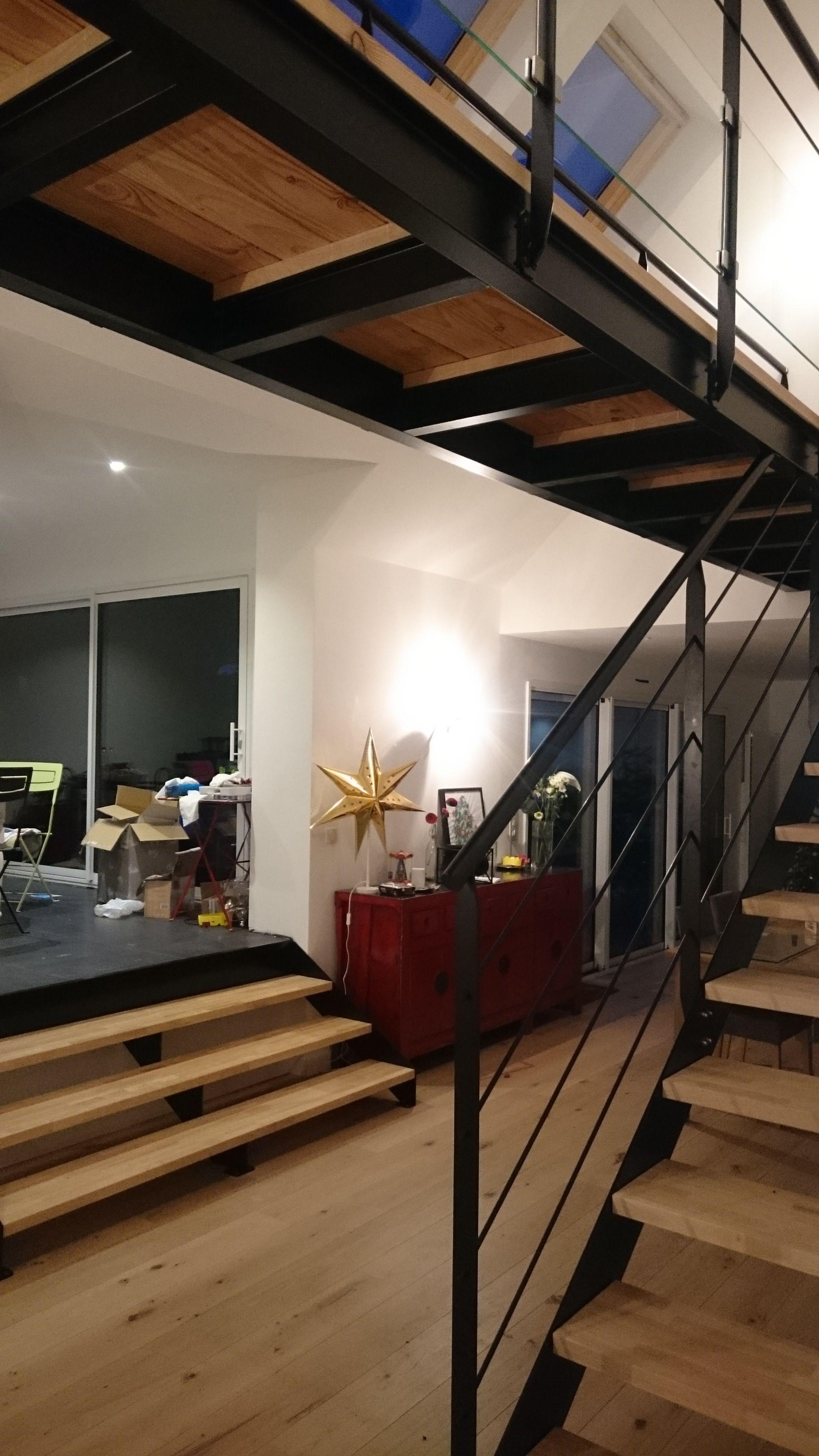 escalier m tallique contemporain passerelle suspendue ipn art m tal concept quimper http. Black Bedroom Furniture Sets. Home Design Ideas