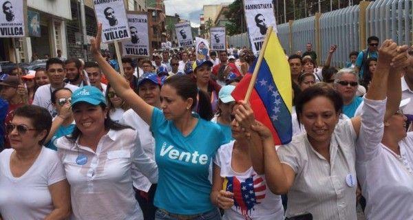"""#Venezuela ¡NO HAY MARCHA ATRÁS! #MaríaCorinaMachado: """"#ReferéndumRevocatorio en 2016 se convertió en línea roja"""""""