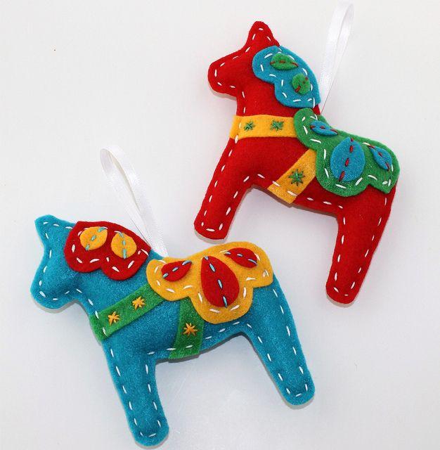 Eco Felt Dala Horse Xmas Ornament Set  by lova revolutionary, via Flickr