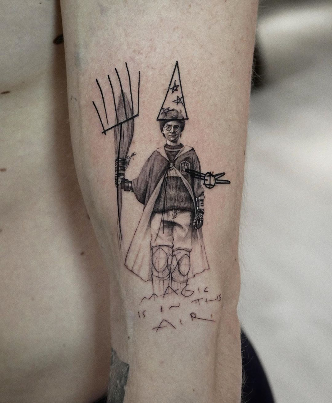19 Harry Potter Tattoos For Wizards Muggles And Mudbloods Alike In 2020 Tattoos Harry Potter Tattoos Fandom Tattoos