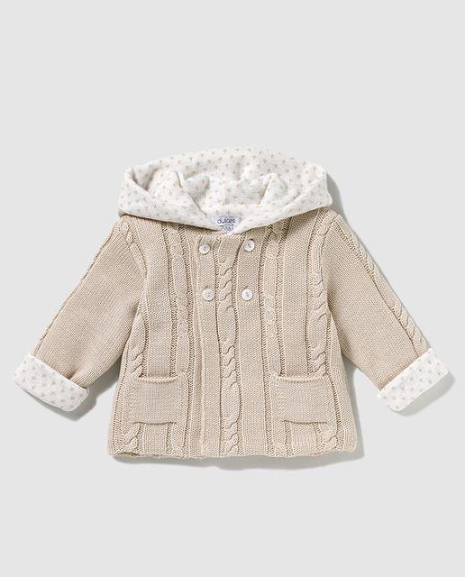 4667bc7b5 Abrigo de bebé niño Dulces en marrón de tricot | Lorena | Abrigos ...