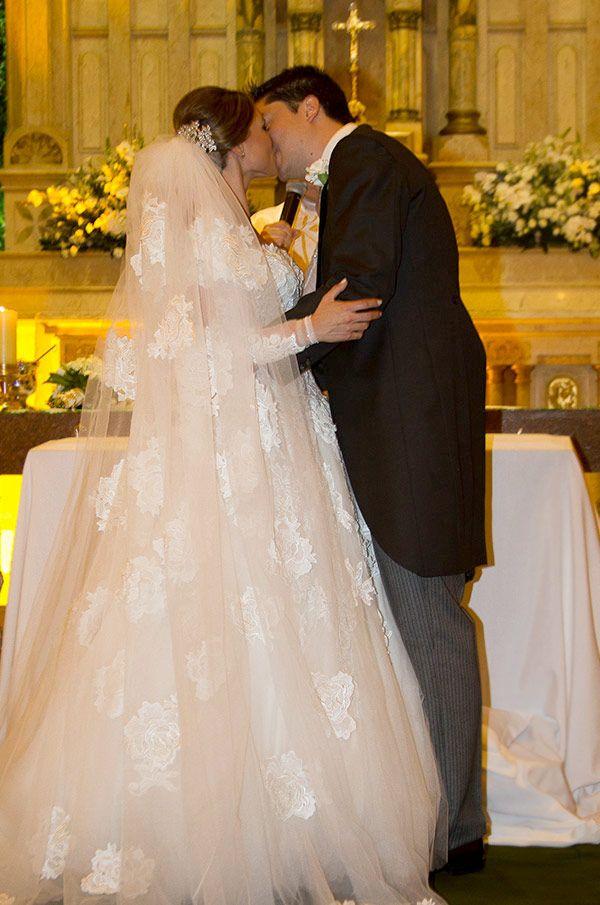 Vestidos de noiva: coleção MK por Mariana Kuenerz