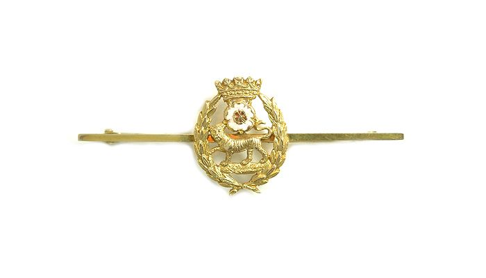 A York And Lancaster Regiment Gold And Enamel Sweetheart Brooch Michael Rose With Images Brooch Michael Rose Jewels