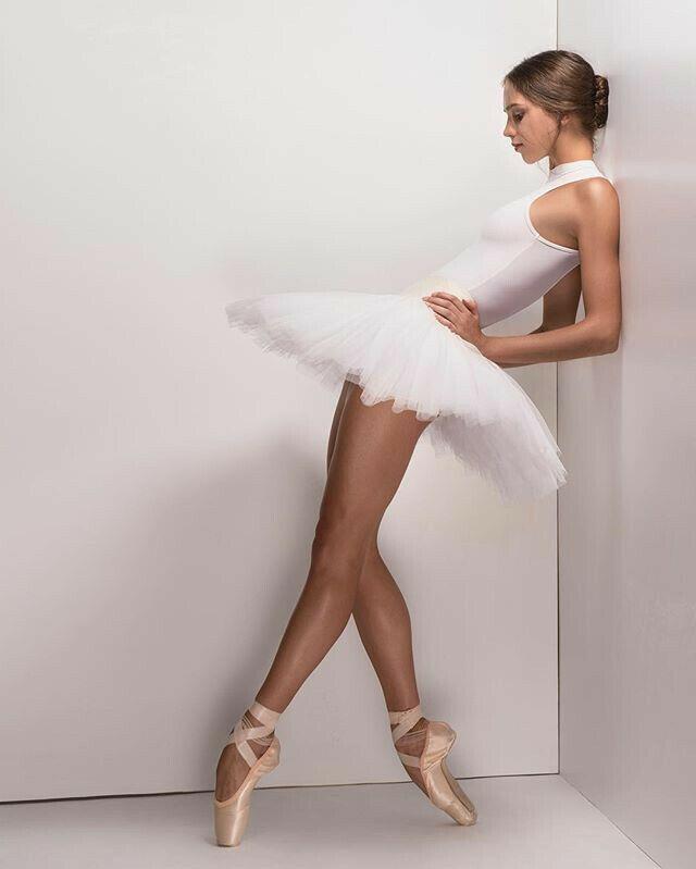 B2B #fashion (2020) | Ballett bilder, Mädchen tanzen, Tänzerin