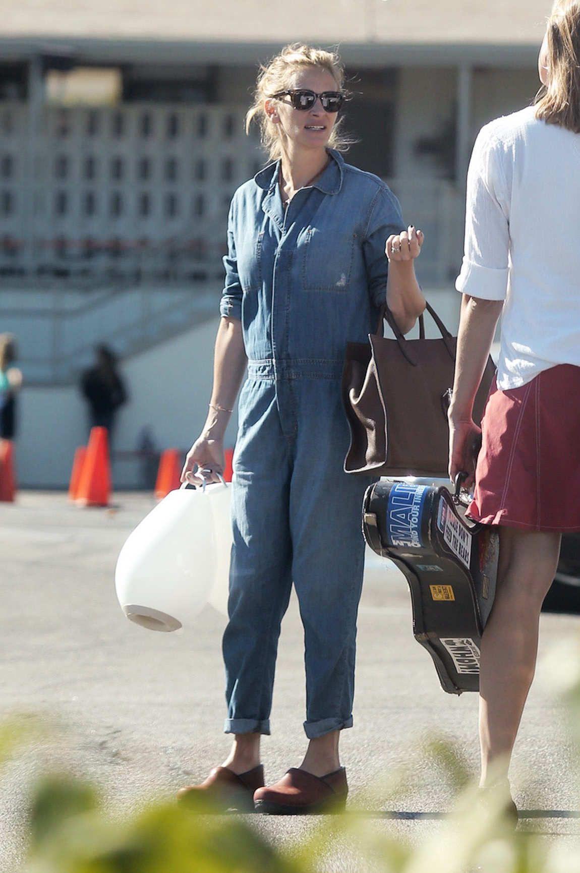 Julia Roberts Ran Errands In Clogs Celebrity Style