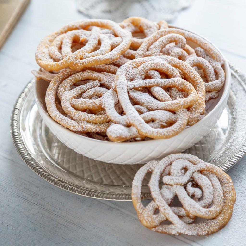 Lany Chrust Slodka Propozycja Nie Tylko Na Karnawal Recipe Desserts Food Recipes