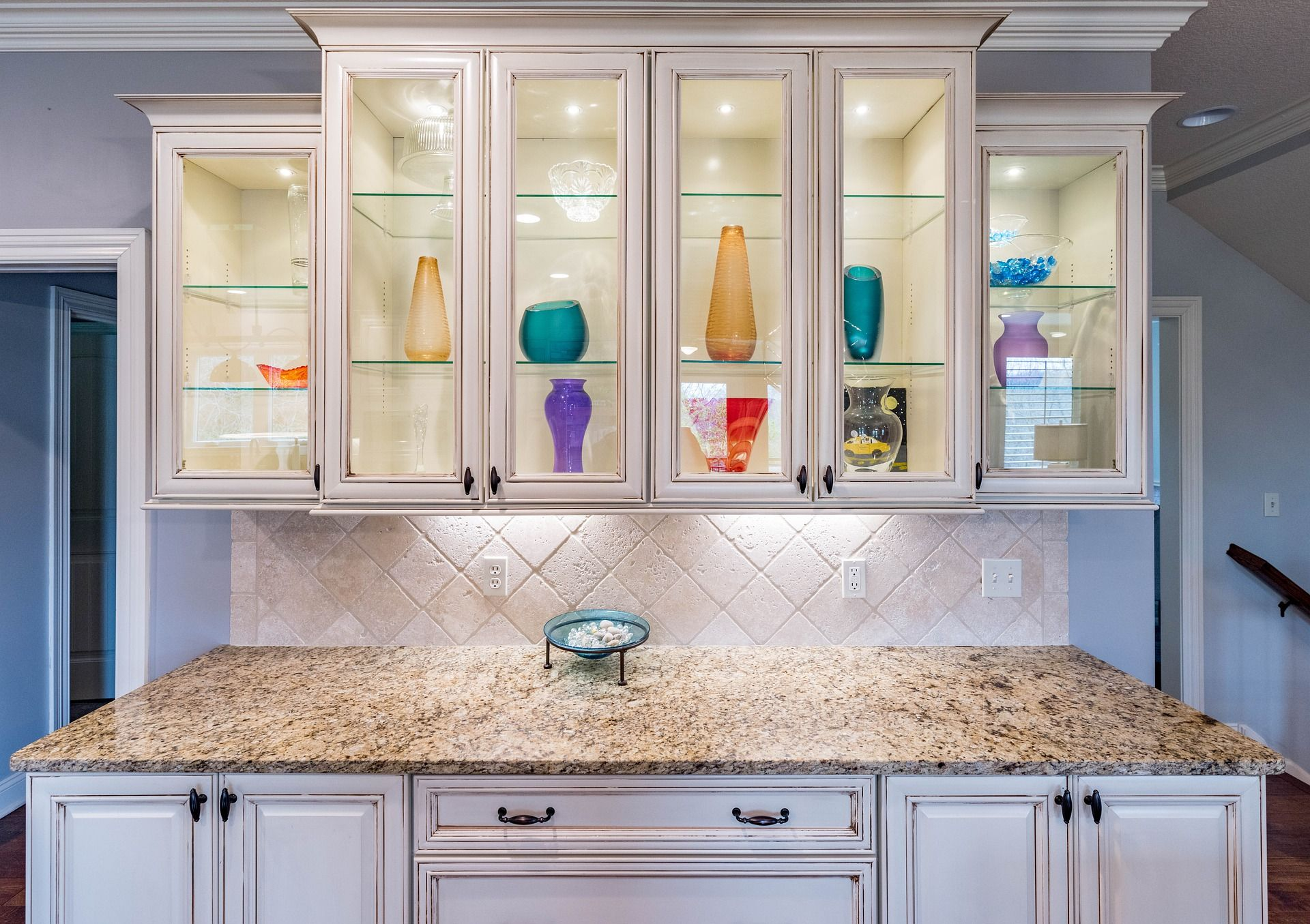How To Paint Kitchen Cabinets In 7 Doable Steps Old Kitchen Cabinets Glass Kitchen Cabinet Doors Kitchen Cupboards