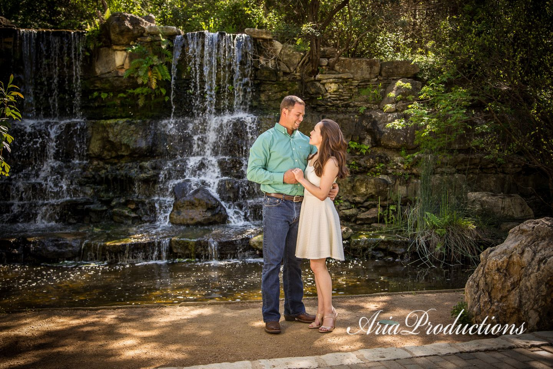 Jaime Jessica Engaged At Zilker Botanical Garden Austin Texas Engagement Photo Locations Botanical Gardens Wedding Botanical Gardens