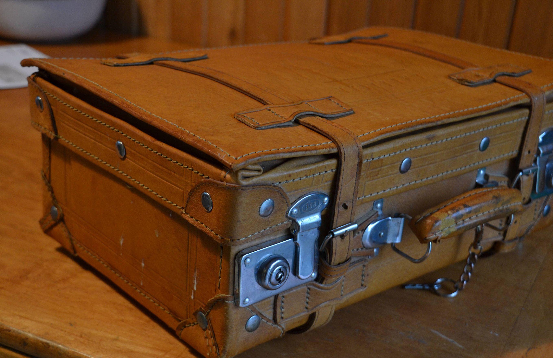 dd4cbbcb63f9 Vintage Leather