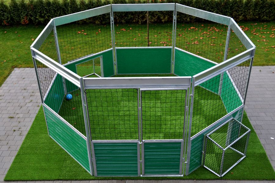Soccer Cage 1v1 Action In A Soccer Cage Backyard Sports Football Pitch Soccer