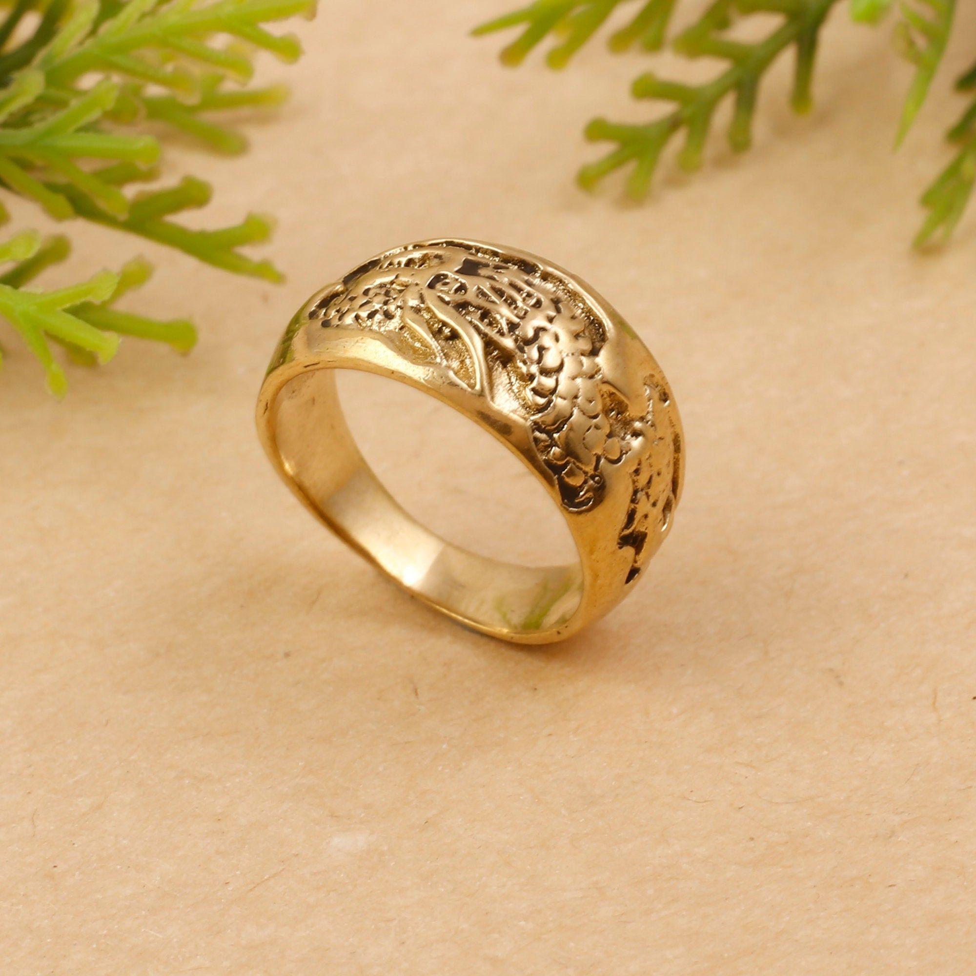 gold ring dragon design game
