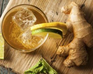 Limonade détoxyfiante au gingembre, concombre et menthe à