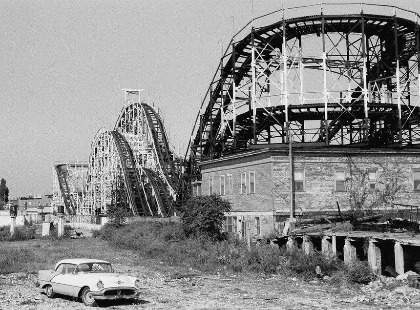 Abandoned Car And Roller Coaster Abandoned Amusement Parks Roller Coaster Pictures Roller Coaster