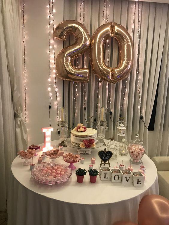 20 Year Old Woman Party Festa De Aniversario Tumblr Festa De 20anos Festa Simples Aniversario