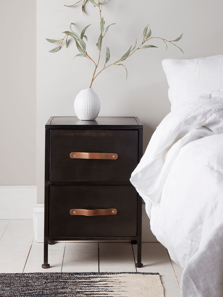 Black Metal Bedside Tables: Five Of The Best Bedside Tables In 2020 (With Images