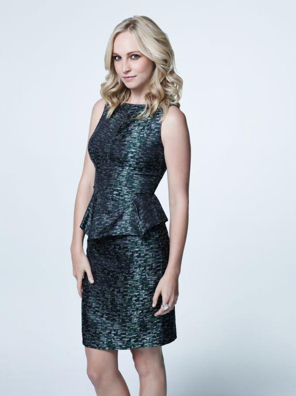 Vampire Diaries Hot Shots: Season 5 Cast Photos Set the