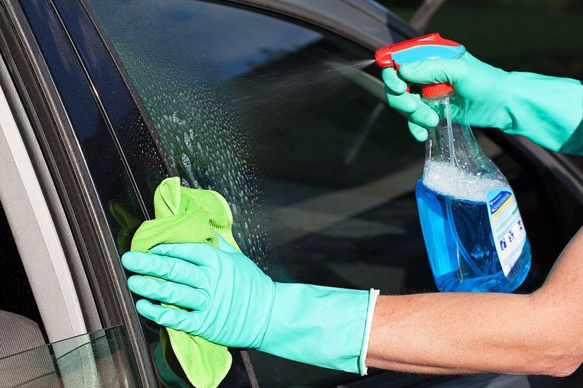 How to clean Hard Water Spots from Car Windows? 1