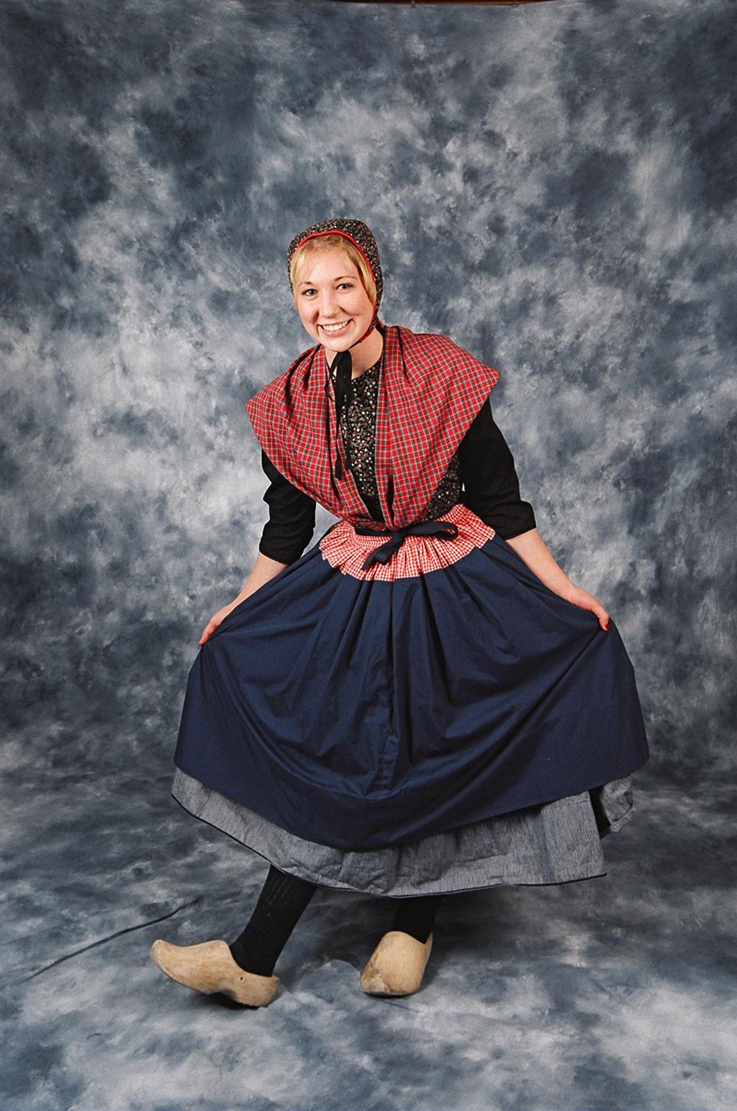 TRADITIONAL OVERIJSSEL FEMALE DRESS Dutch Dance Costumes