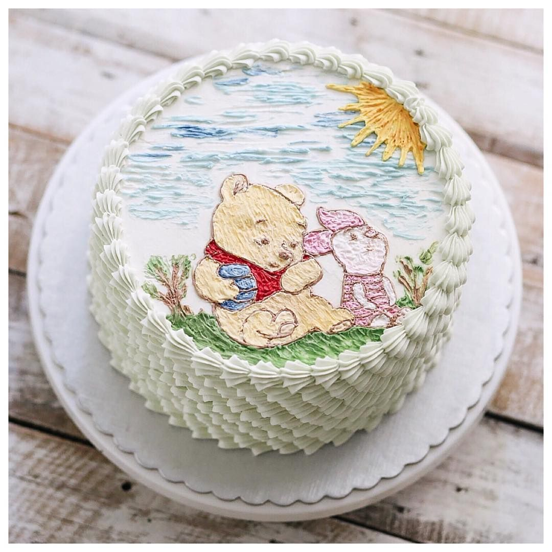 Pooh and Piglet buttercream cake