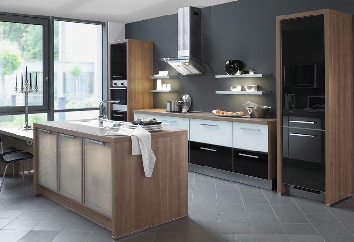 Sleek, modern and industrial styled kitchen. Moderne