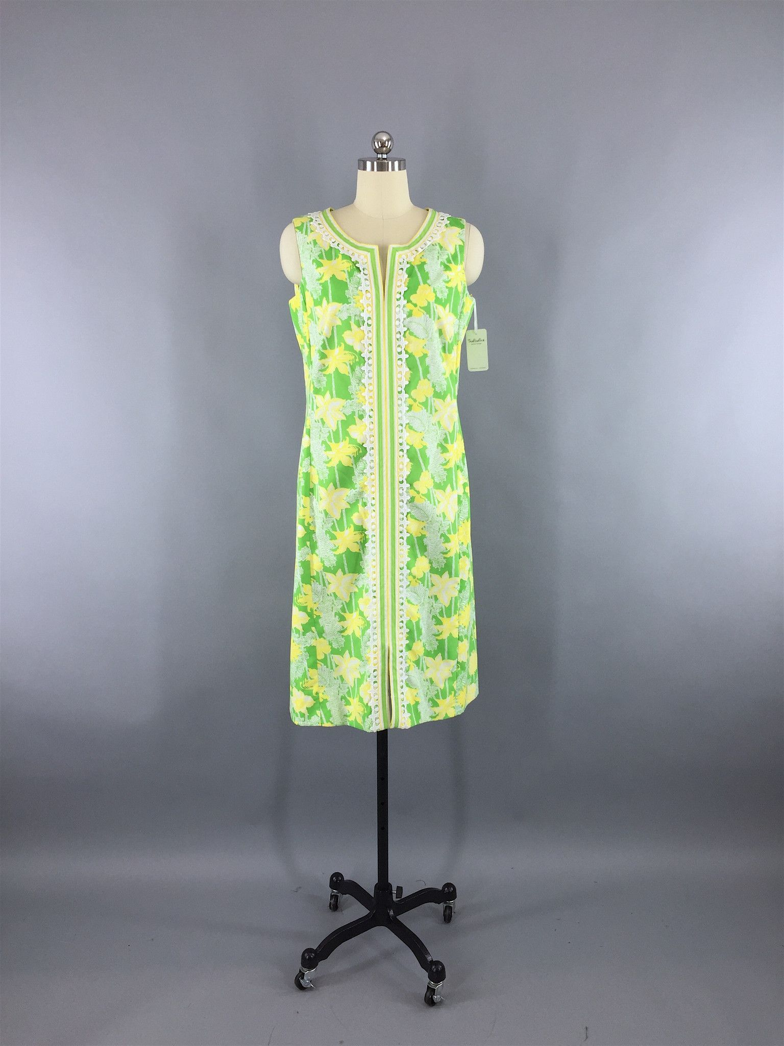 4aa1297cf69dd8 Vintage 1960s Lilly Pulitzer Dress / Green Yellow Floral Print ...