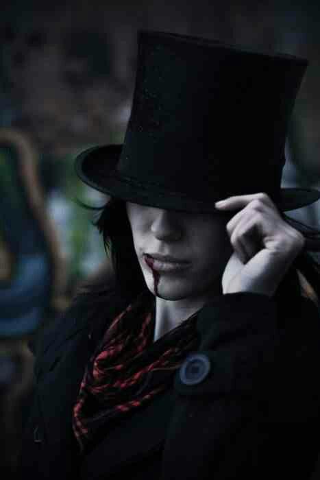 Vampire hunk